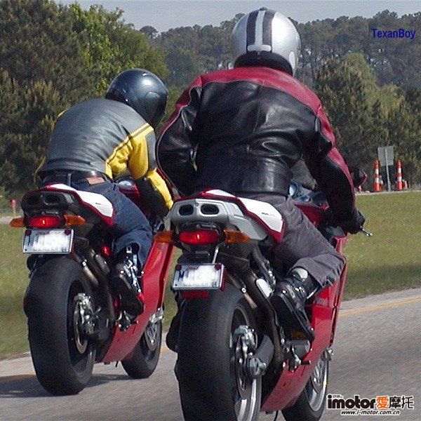 Motorcycle-Riding-Gear.jpg