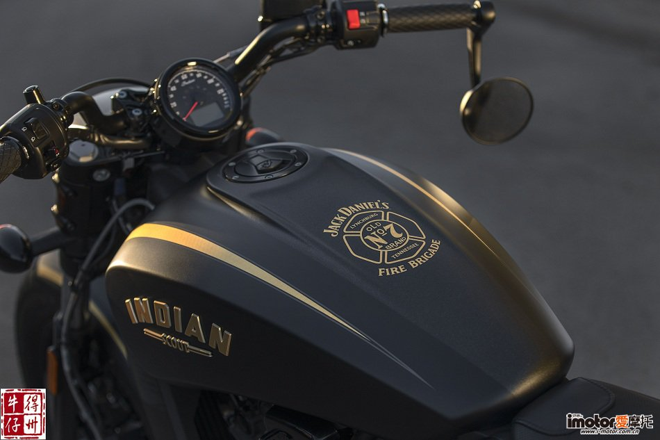 030718-2018-Indian-Jack-Daniels-Scout-Bobber-Detail-01.jpg