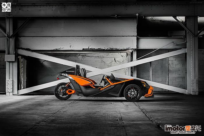 2017-Polaris-Slingshot-SLR3-small.jpg