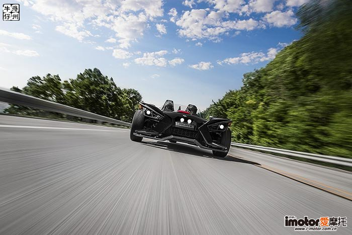 2017-Polaris-Polaris-Slingshot-SL1-small.jpg