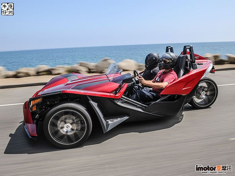 2018-Polaris-Slingshot-exterior-profile-on-road.jpg