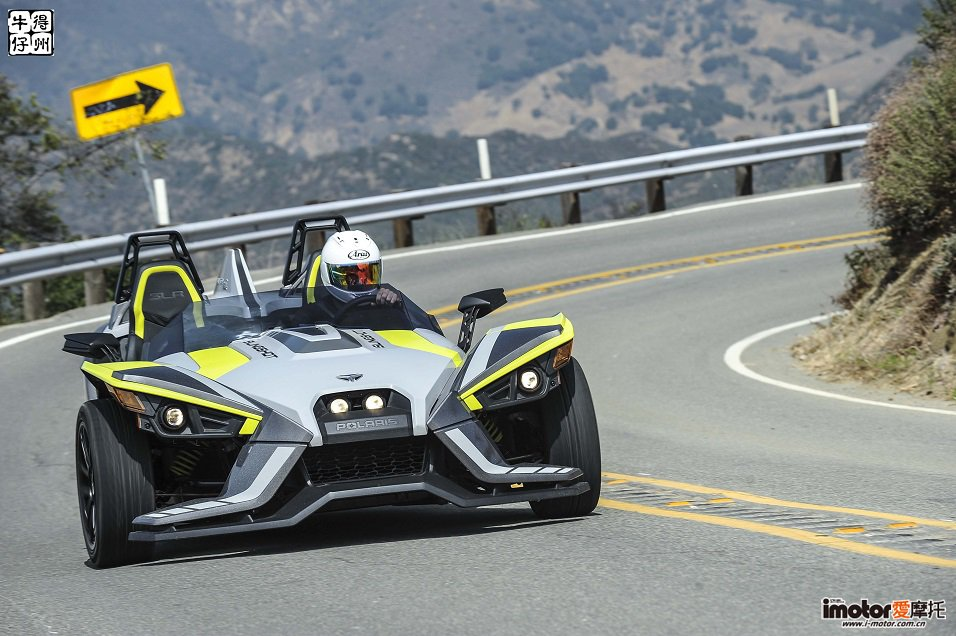 2018-Polaris-Slingshot-Review-Jensen-Beeler-03.jpg