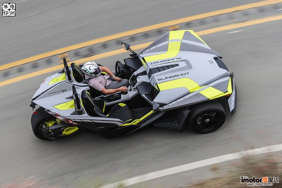 2018-Slingshot-Review-Three-Wheel-Auto-Cycle-8.jpg