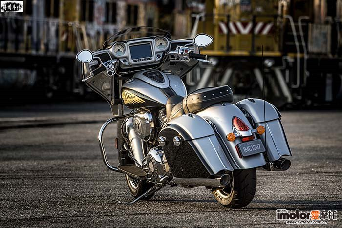 2017-Indian-Chieftain3-small.jpg